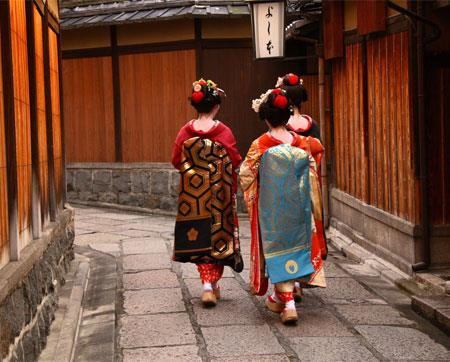 Japanese religion & tradition impact on Business Customs